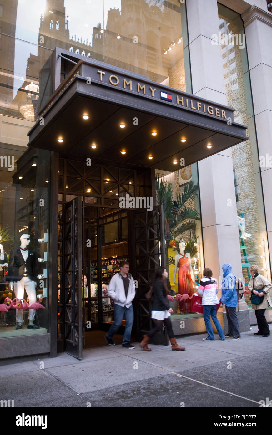 5dd2d0e3348d The Tommy Hilfiger flagship store on Fifth Avenue in New York - Stock Image