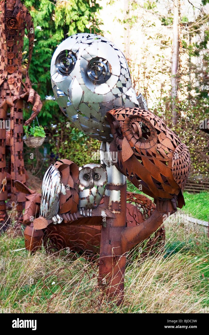 Etonnant Owls Metal Sculptures   Stock Image