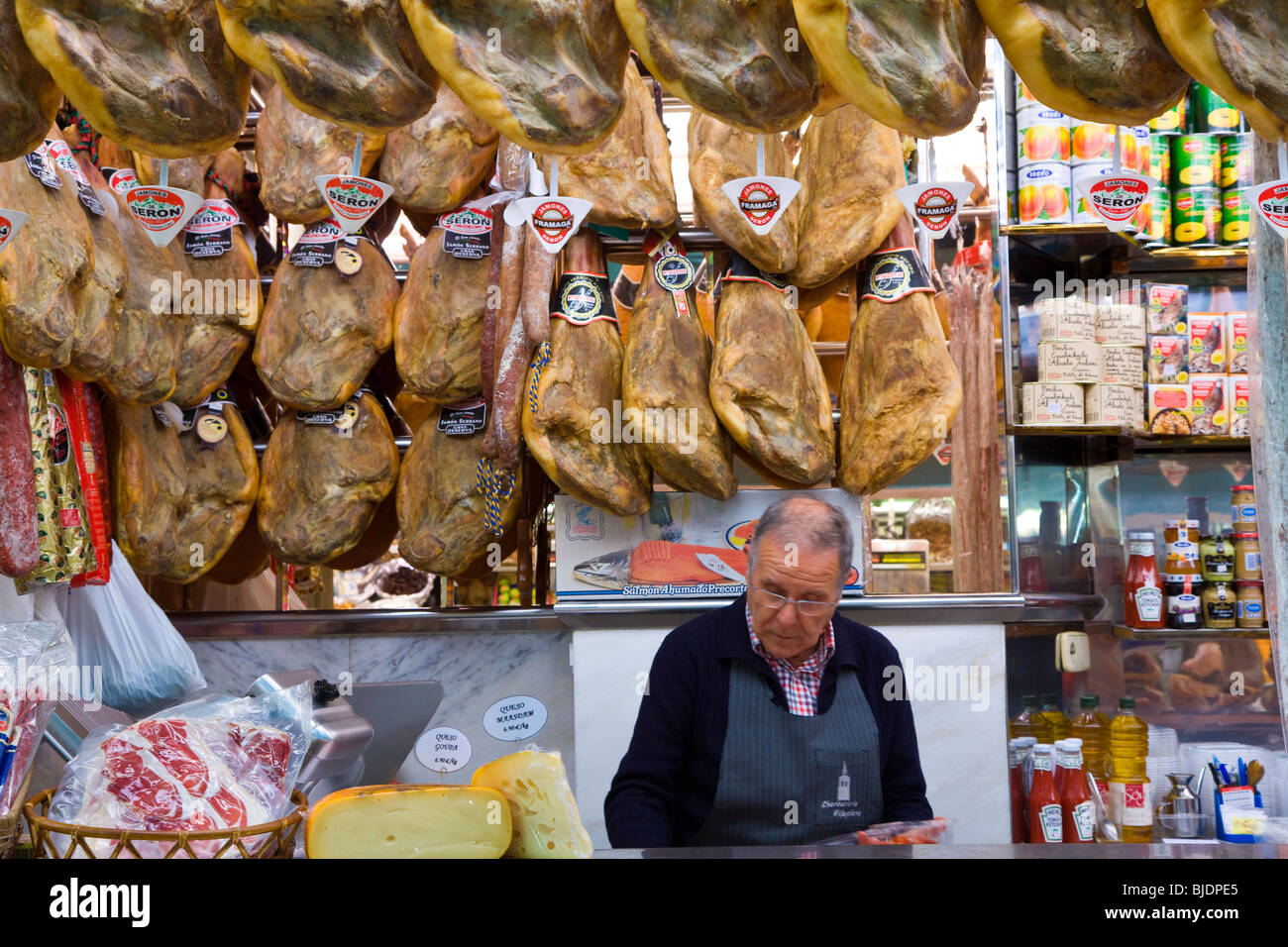 'Mercado Central (central market) in Valencia, Spain, one of the largest indoor markets in Europe', stall - Stock Image