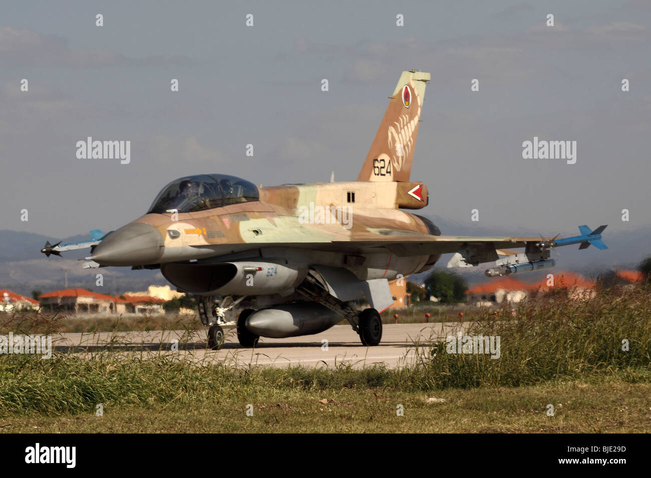 Israeli Air Force (IAF) F-16D Fighter jet at take off - Stock Image