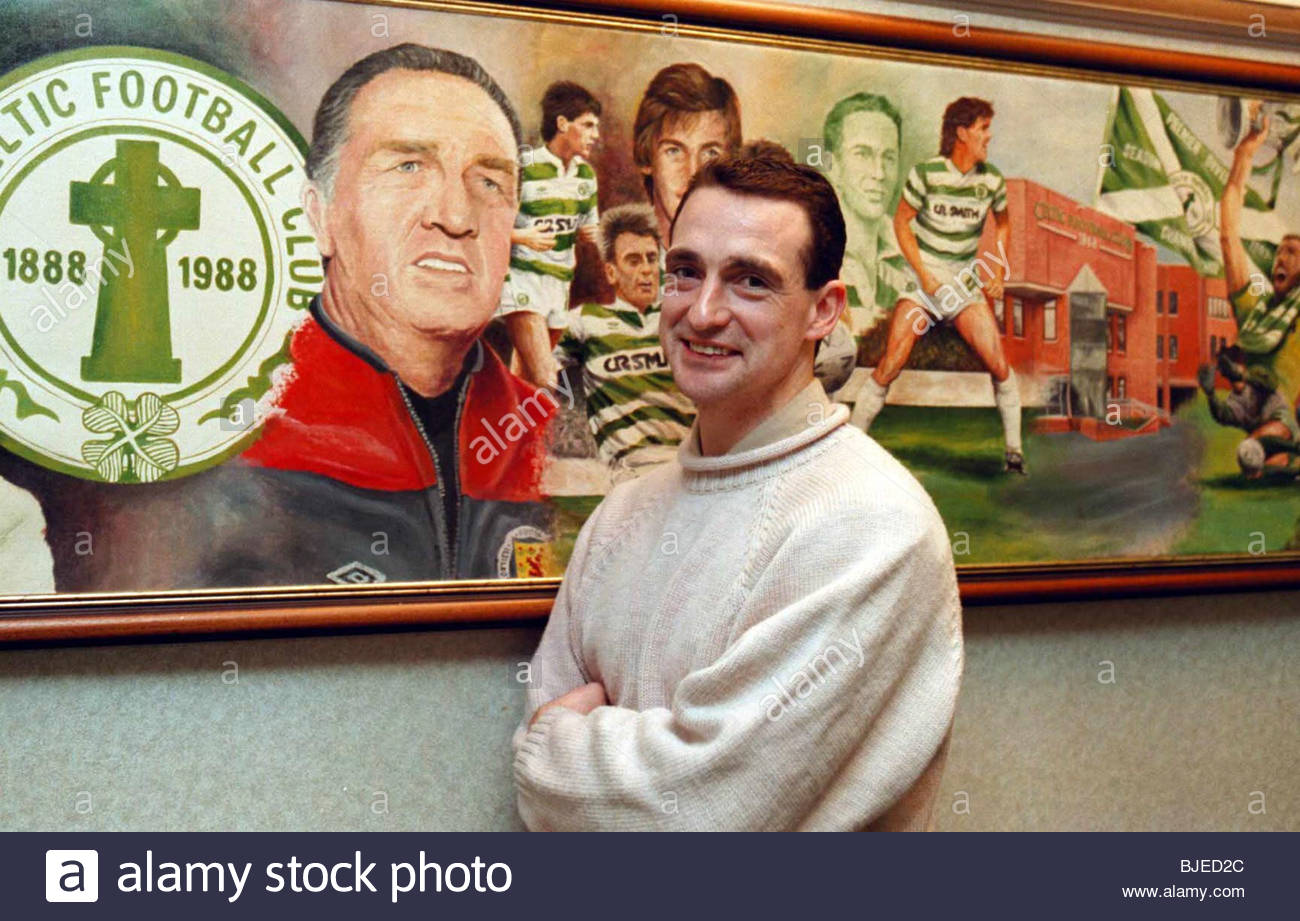 SEASON 1996/1997 CELTIC PARK - GLASGOW All smiles from Celtic captain Paul McStay after it was officially announced - Stock Image