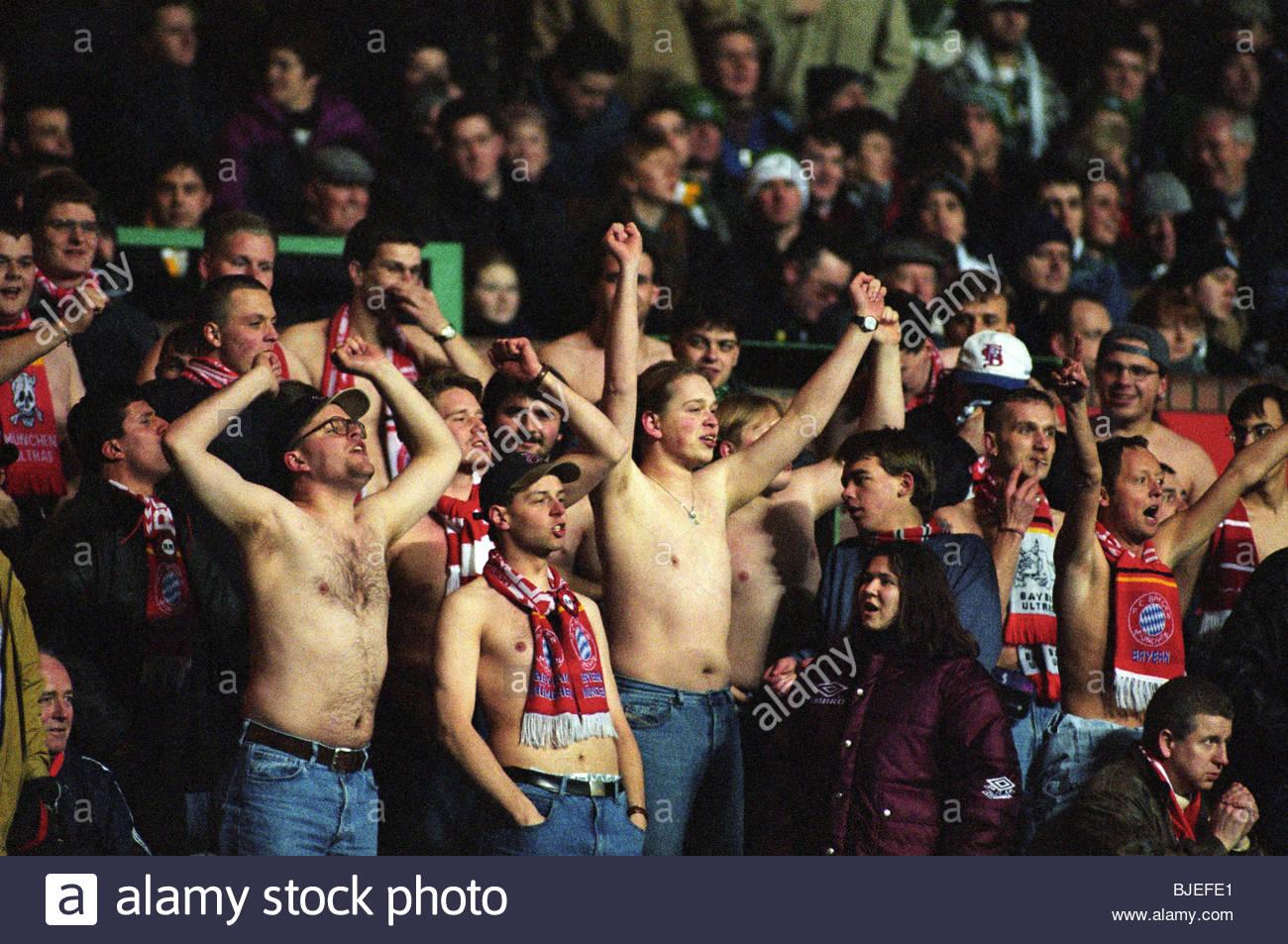 JANUARY 1997 PETER GRANT TESTIMONIAL CELTIC V BAYERN MUNICH (1-2) CELTIC PARK - GLASGOW Bayern Munich fans. - Stock Image