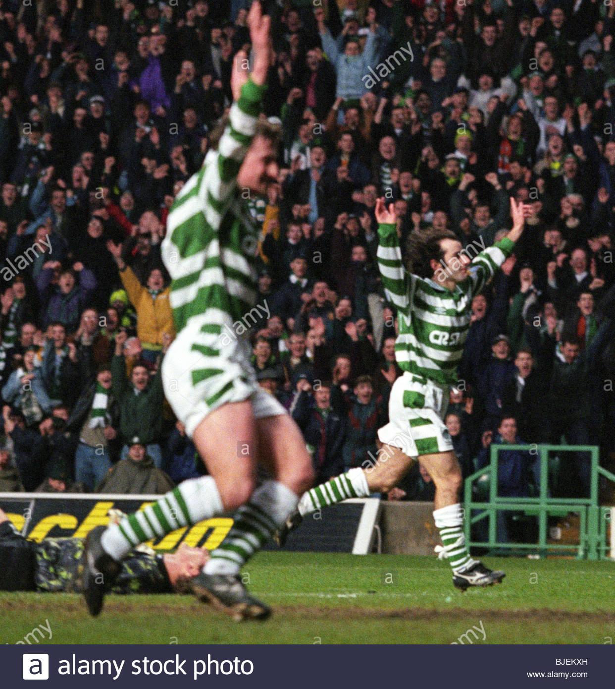 18/01/97 BELL'S PREMIER DIVISION CELTIC V HIBS (4-1) CELTIC PARK - GLASGOW Celtic's Brian McLaughlan (right) - Stock Image
