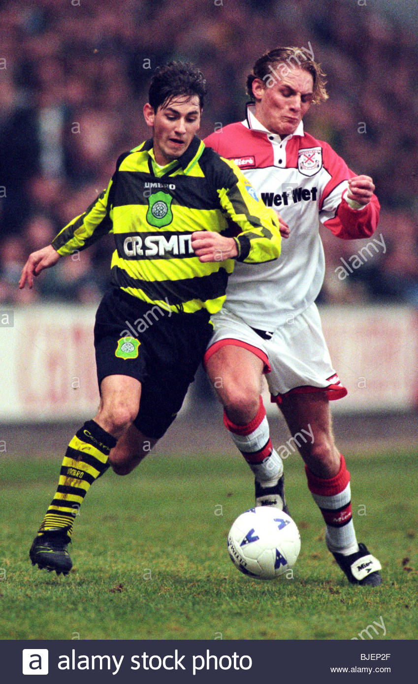 26/01/97 TENNENT'S SCOTTISH CUP 3RD RND CLYDEBANK V CELTIC (0-5) FIRHILL - GLASGOW Celtic's Jackie McNamara - Stock Image