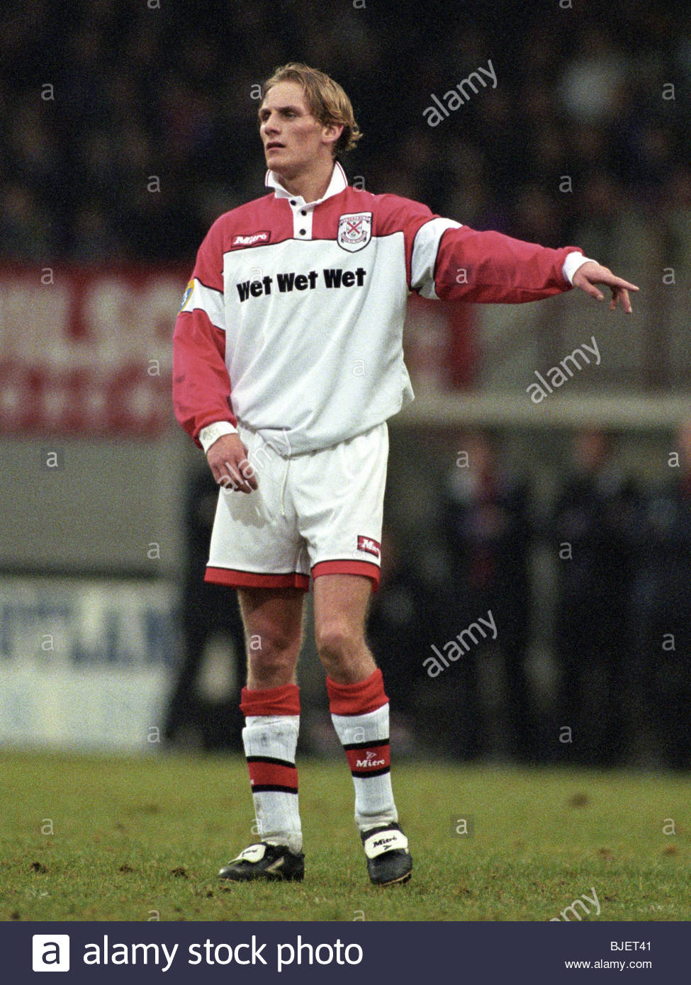 SEASON 1996/1997 CLYDEBANK Gary Teale in action. - Stock Image