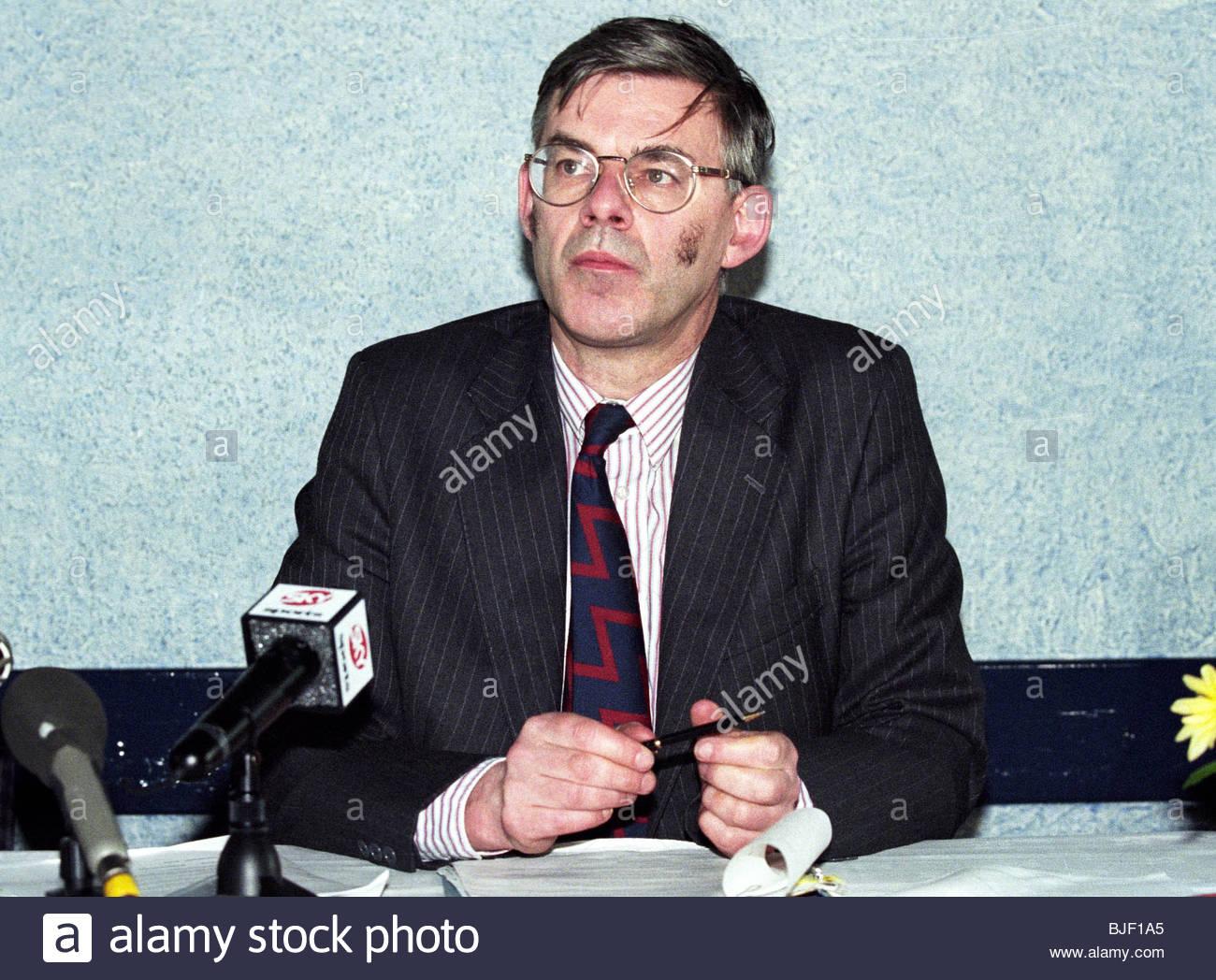 SEASON 1997/1998 Clydebank Chairman Sandy Moffat Stock Photo