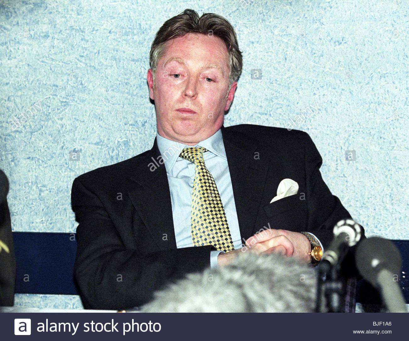 SEASON 1997/1998 Clydebank Financial consultant David Low - Stock Image