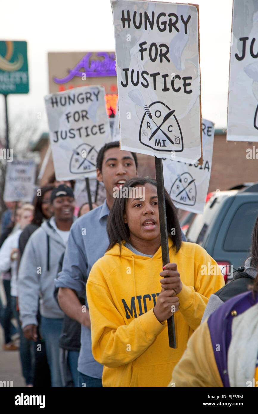 Activists Picket Restaurant Over Wage and Overtime Violations - Stock Image