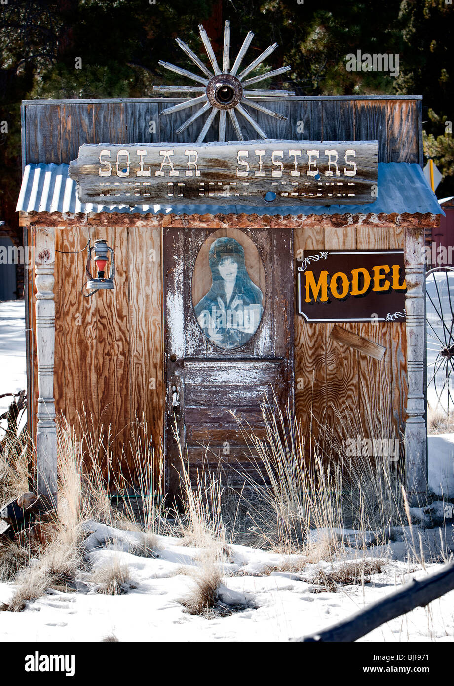 A 'Solar Sisters' booth in Guffey, Colorado. - Stock Image