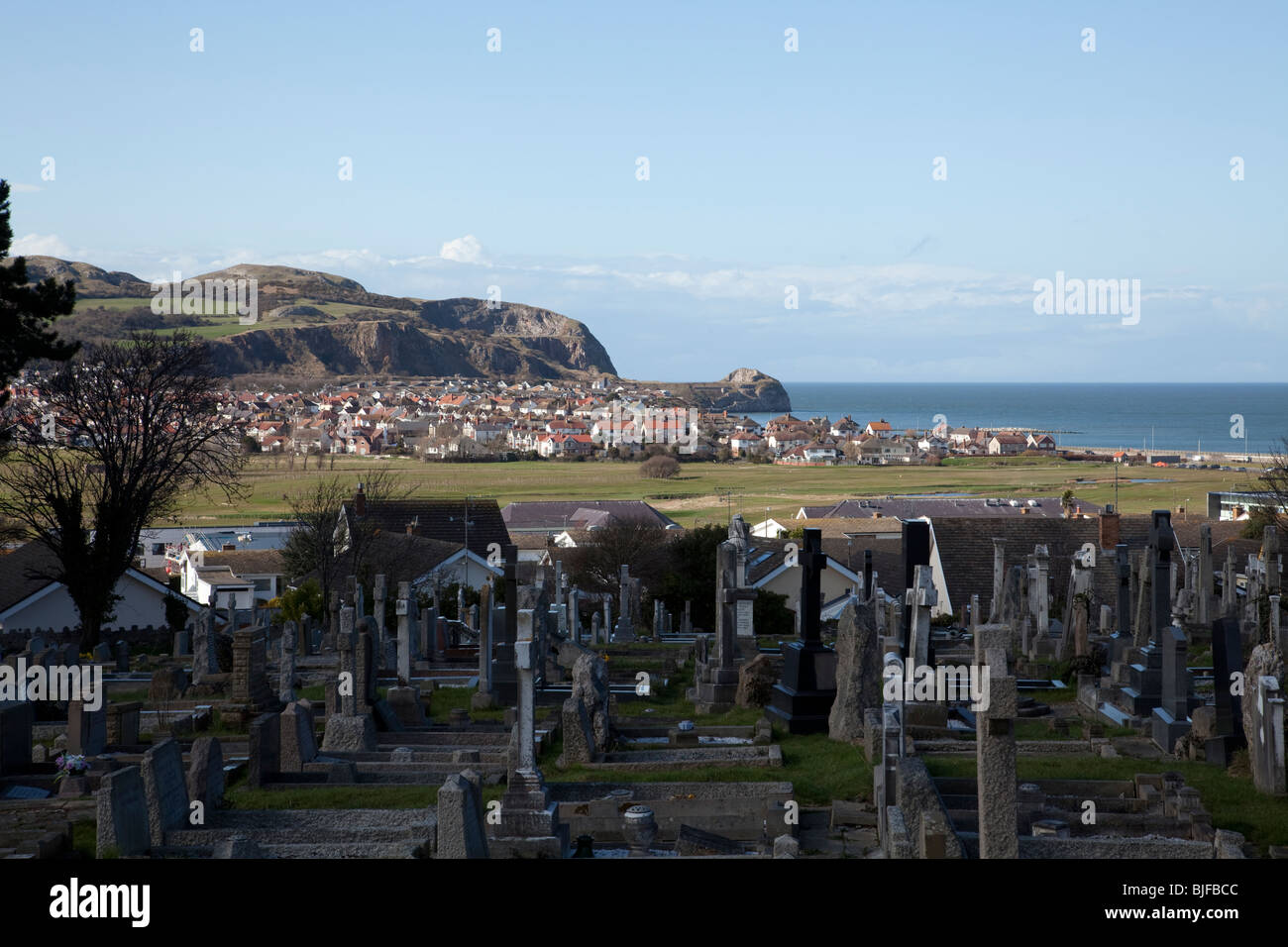View of Penrhyn Bay, North Wales beyond the Rhos on Sea Golf course with the Little Orme in the background Stock Photo