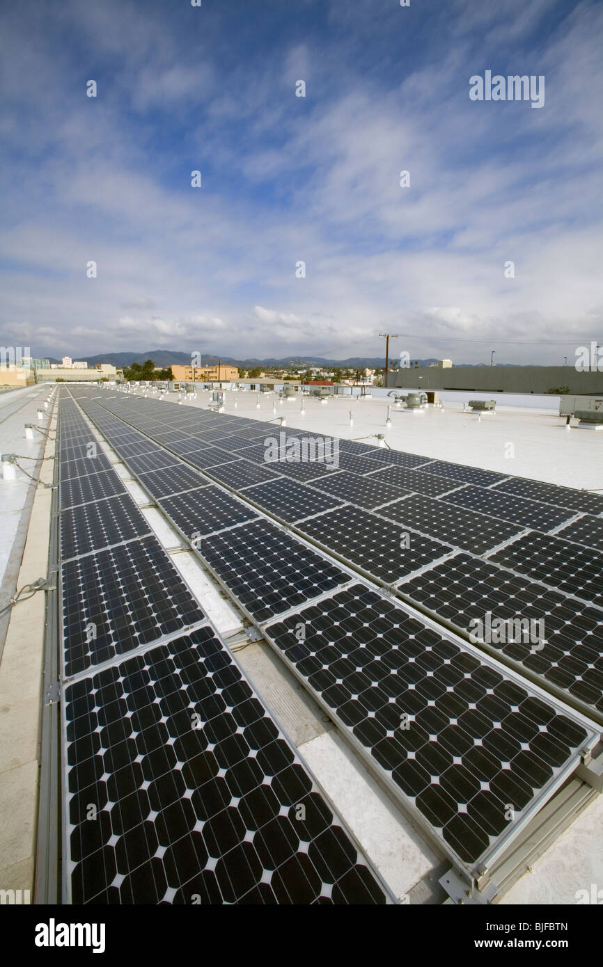 82 Kilowatt Solar Array on roof of Big Blue Bus Terminal, installation by Martifer Solar, Santa Monica, California, - Stock Image