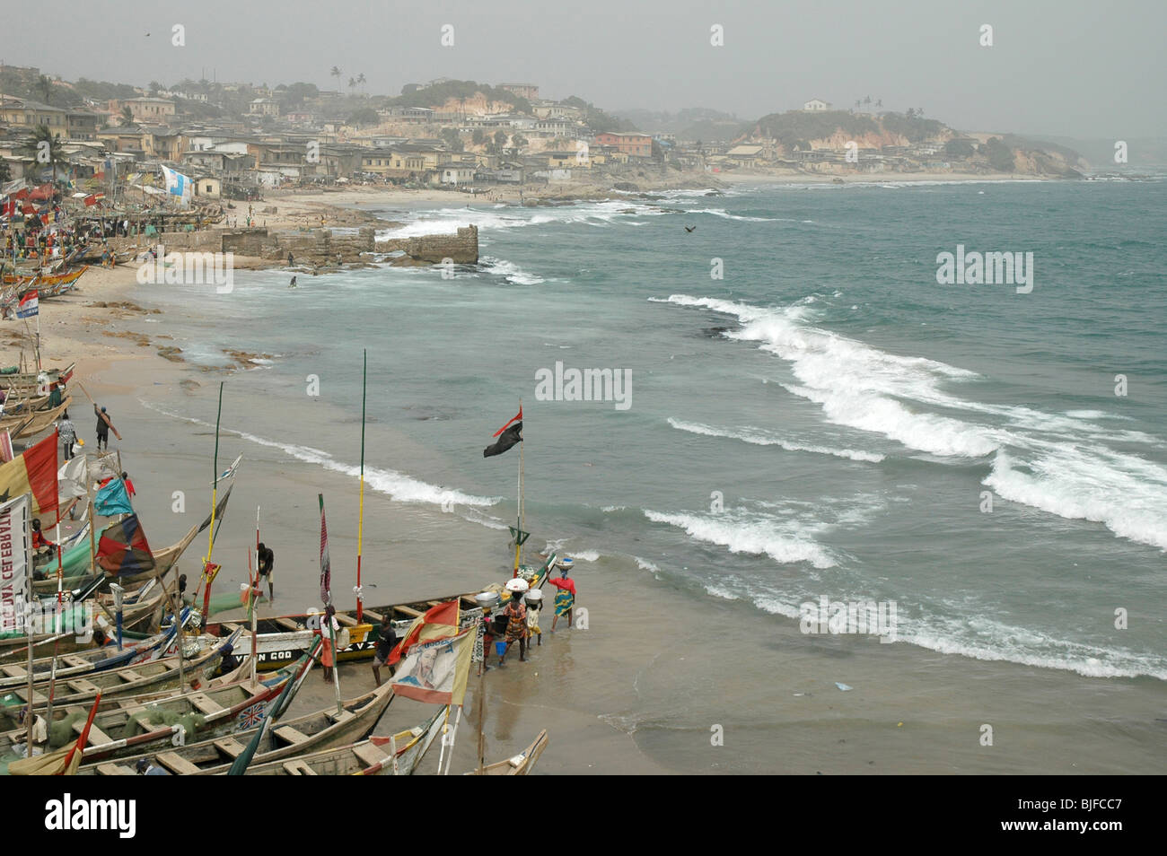 A fishing village along the Cape Coast. Ghana, West Africa, Africa - Stock Image