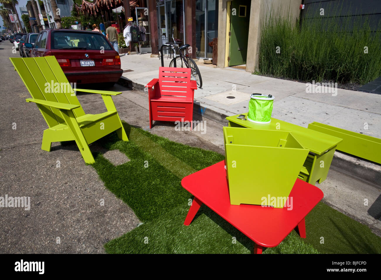 Recycled plastic outdoor furniture by Loll Designs, made from recycled high  density polyethylene (HDPE - Outdoor Furniture Stock Photos & Outdoor Furniture Stock Images - Alamy