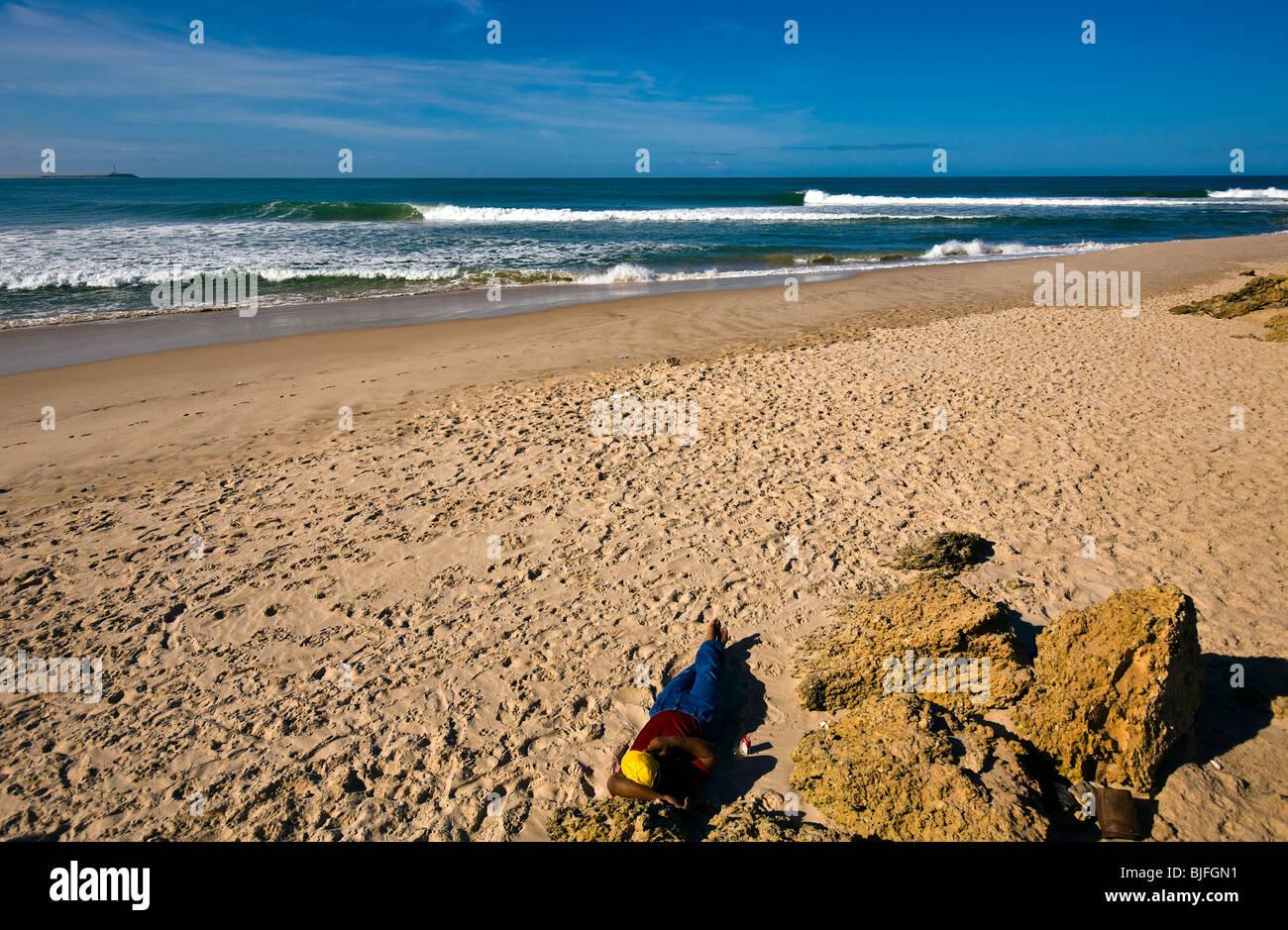Western Sahara, Dakhla Peninsula, waves, North Atlantic Ocean. - Stock Image