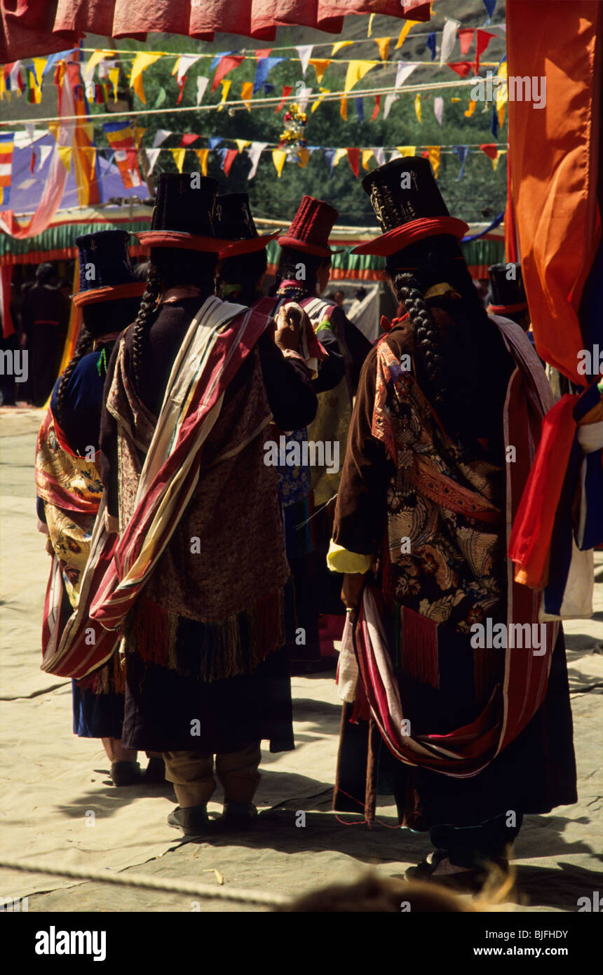 Northern India, Ladakh. Dancers in traditional clothing on a celebration in Stok. - Stock Image