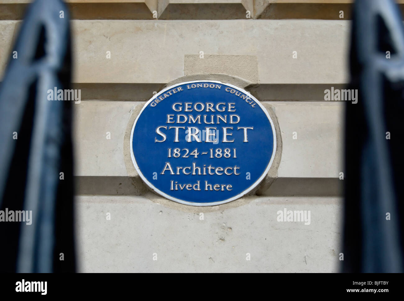 greater london council blue plaque marking a home of architect george edmund  street, in cavendish place, london Stock Photo