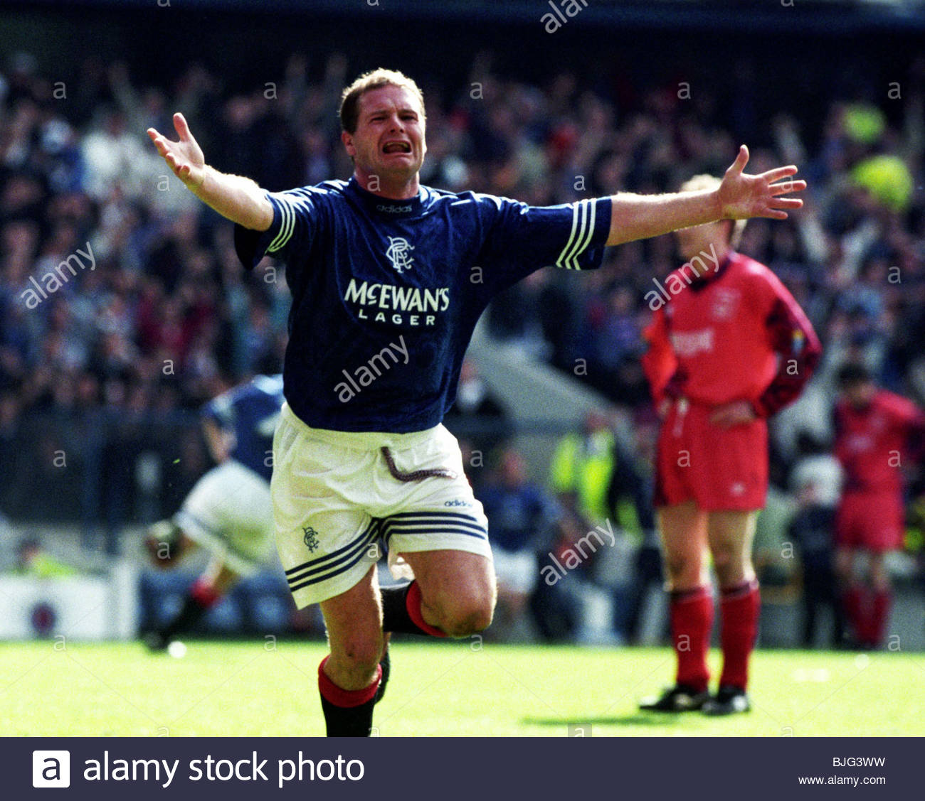 28/04/96 BELL'S PREMIER DIVISION RANGERS V ABERDEEN (3-1) IBROX - GLASGOW Paul Gascoigne celebrates after giving - Stock Image
