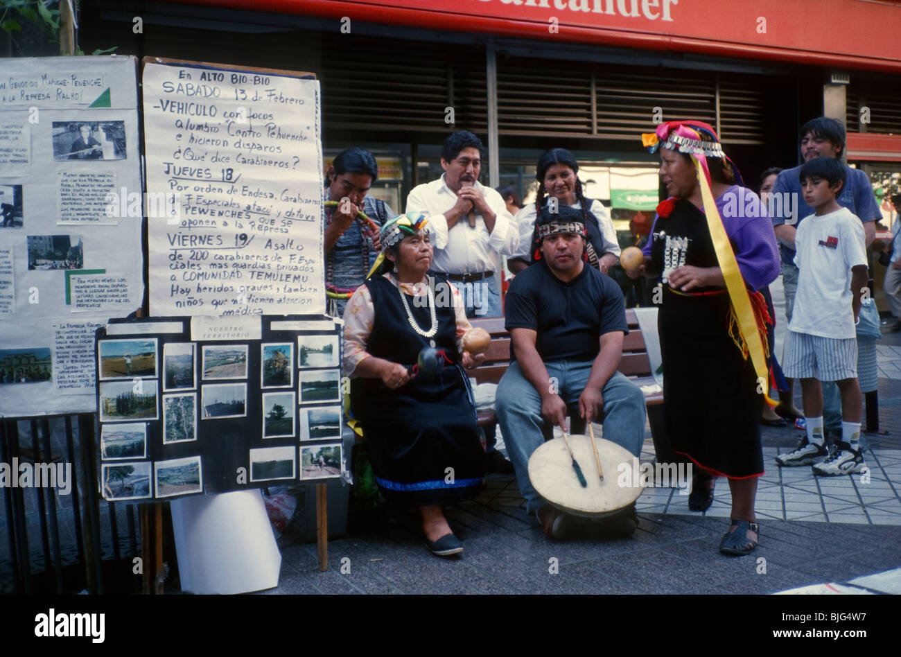 Santiago, Chile. Indios Mapuche demonstrate in the Paseo Ahumada, in the pedestrian zone - Stock Image