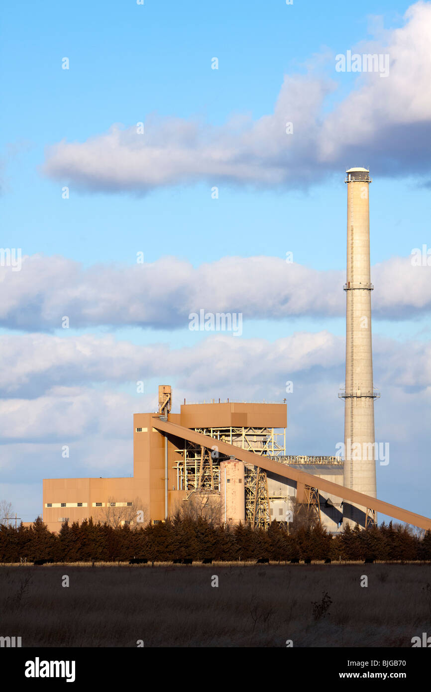 The Platte Generating Station in Grand Island, Nebraska. This coal-fired power plant burns over 300,000 tons of - Stock Image