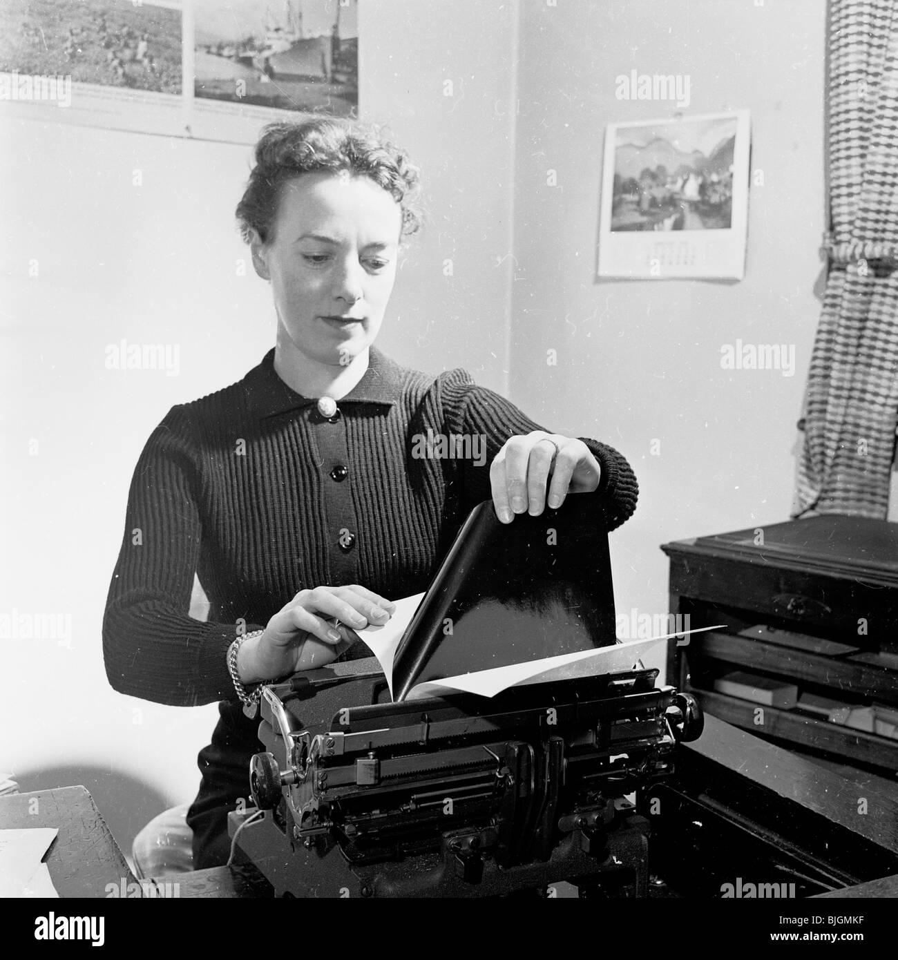 Typewriter 1950s Stock Photos Amp Typewriter 1950s Stock
