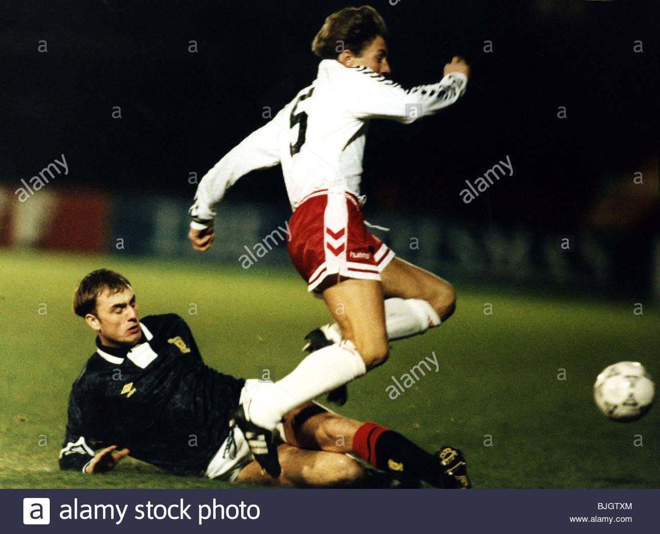 18/02/92 UNDER 21 INTERNATIONAL FRIENDLY SCOTLAND U21 V DENMARK U21 (3-0) EASTER ROAD - EDINBURGH Scotland's - Stock Image