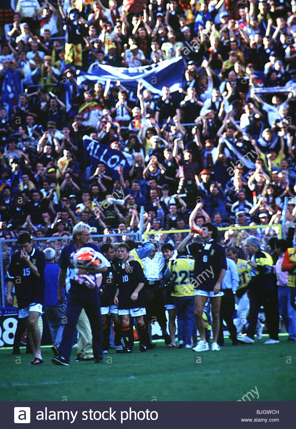 15 06 92 EURO 1992 SCOTLAND V GERMANY Scotland Fans Enjoy Themselves In The Sunshine Of Sweden After A 2 0 Defeat At Hands