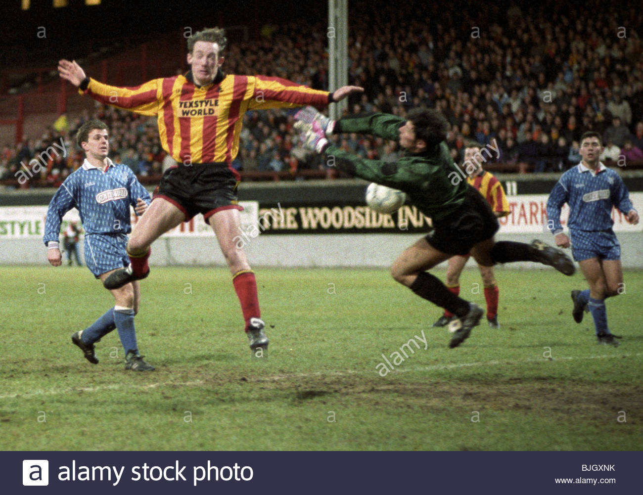 09/01/93 TENNENT'S SCOTTISH CUP THIRD ROUND PARTICK THISTLE v COWDENBEATH (0-1) FIRHILL - GLASGOW Partick Thistle - Stock Image