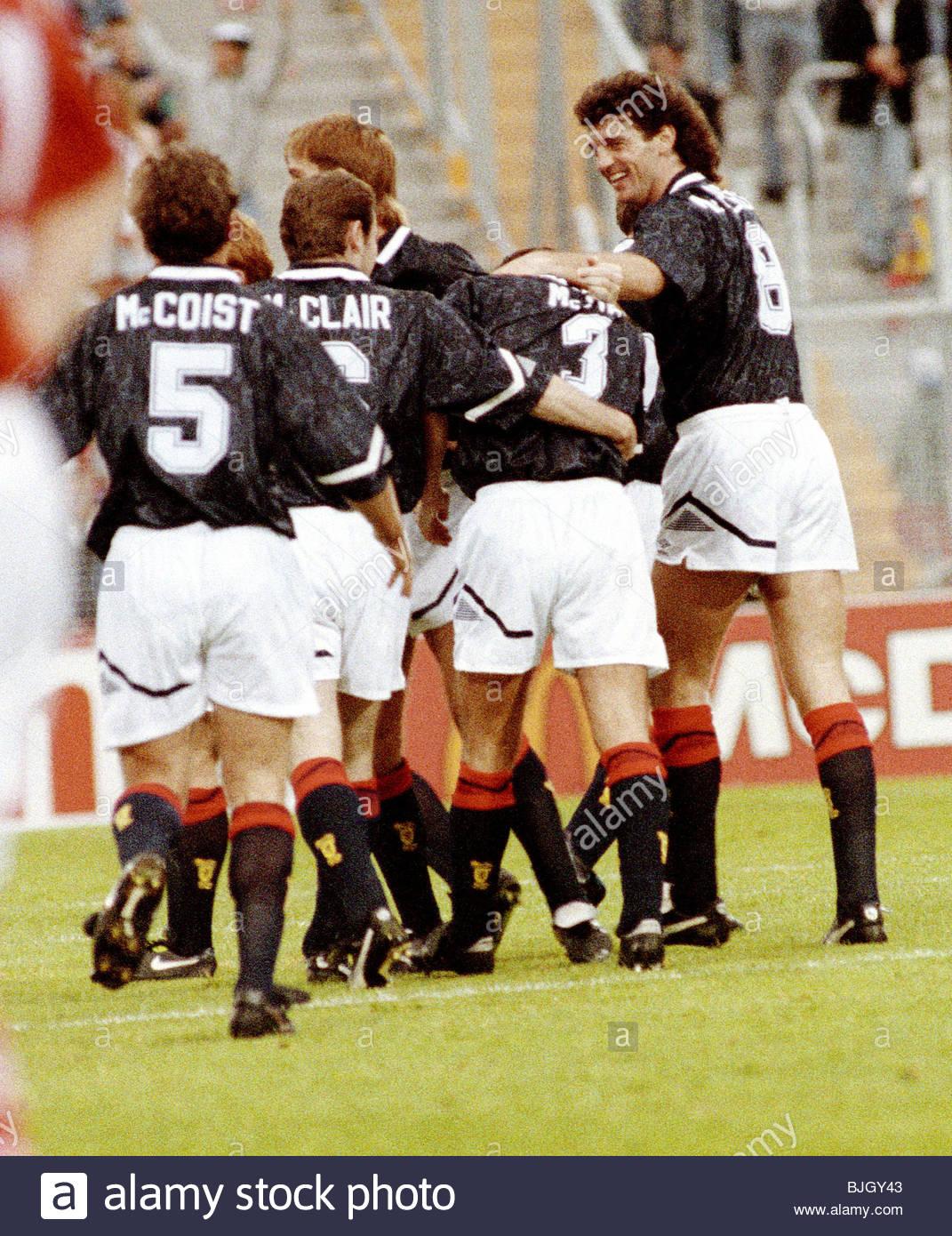 18/06/92 EUROPEAN CHAMPIONSHIP FINALS CIS V SCOTLAND (0-3) IDROTTSPARKEN - NORRKOPING Scotland's Paul McStay - Stock Image