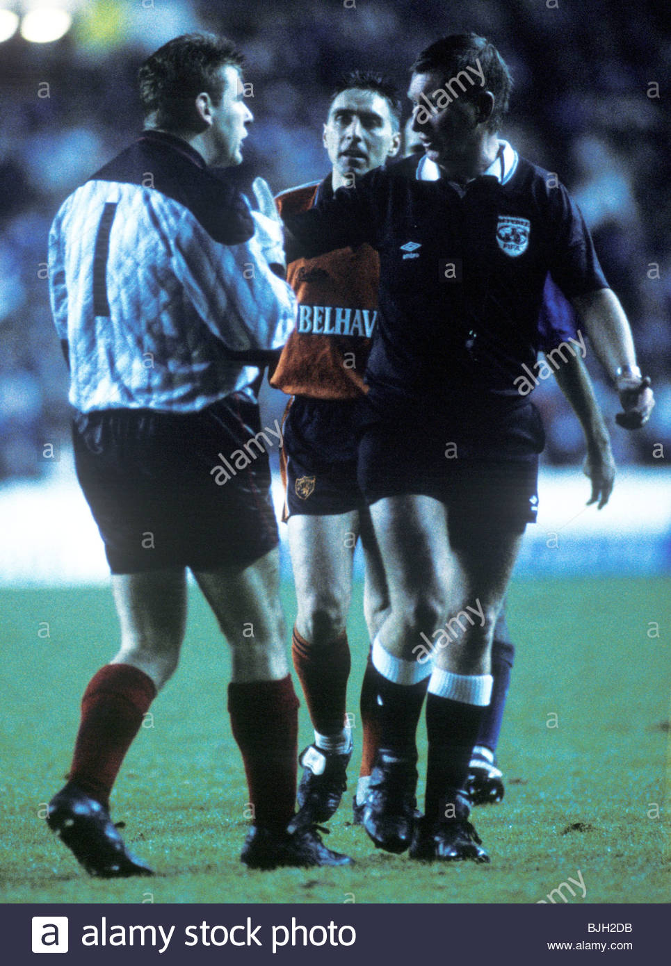 21/12/91 PREMIER DIVISION RANGERS V DUNDEE UTD (2-0) IBROX - GLASGOW Rangers goalkeeper Andy Goram airs his views - Stock Image