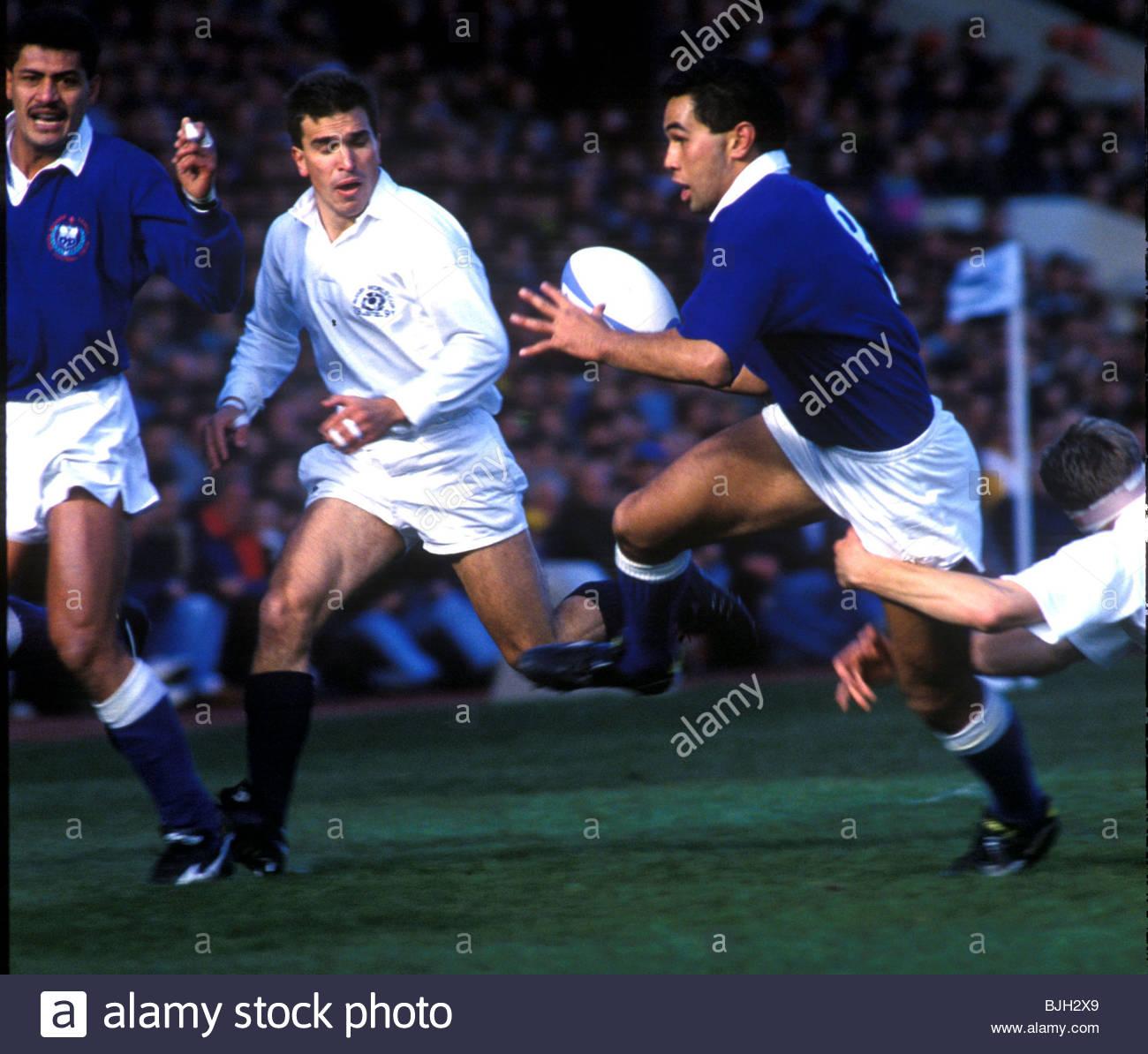 19/10/91 IRB RUGBY WORLD CUP 1991 QUARTER-FINAL SCOTLAND V WESTERN SAMOA (28-6) MURRAYFIELD - EDINBURGH Lima charges - Stock Image