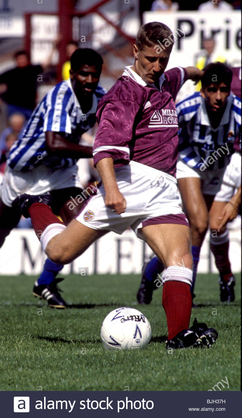 04/08/91 EUROPEAN FRIENDLY HEARTS v REAL SOCIEDAD (3-1) TYNECASTLE PARK - EDINBURGH John Robertson in action for - Stock Image