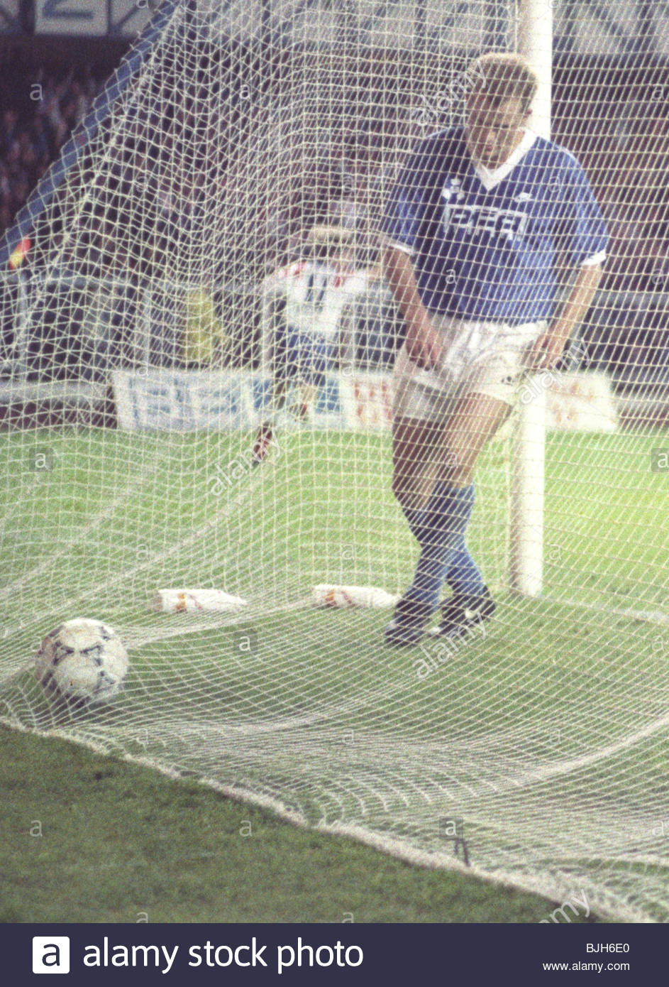 16/09/92 EUROPEAN CUP FIRST ROUND FIRST LEG RANGERS V LYNGBY BK (2-0) IBROX - GLASGOW Ranger's Peter Huistra - Stock Image