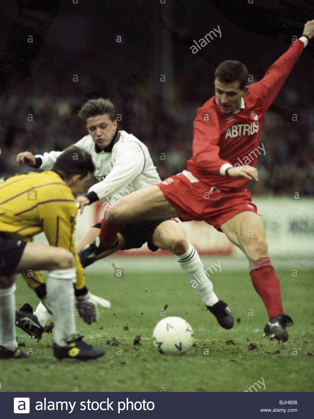 07/02/93 TENNENT'S SCOTTISH CUP ABERDEEN v DUNDEE UTD (2-0) PITTODRIE - ABERDEEN Aberdeen star Brian Irvine - Stock Image