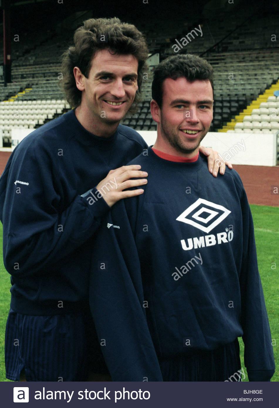 1992/1993 SCOTLAND TRAINING Scotland defensive pairing Dave McPherson (left) and Alan McLaren - Stock Image