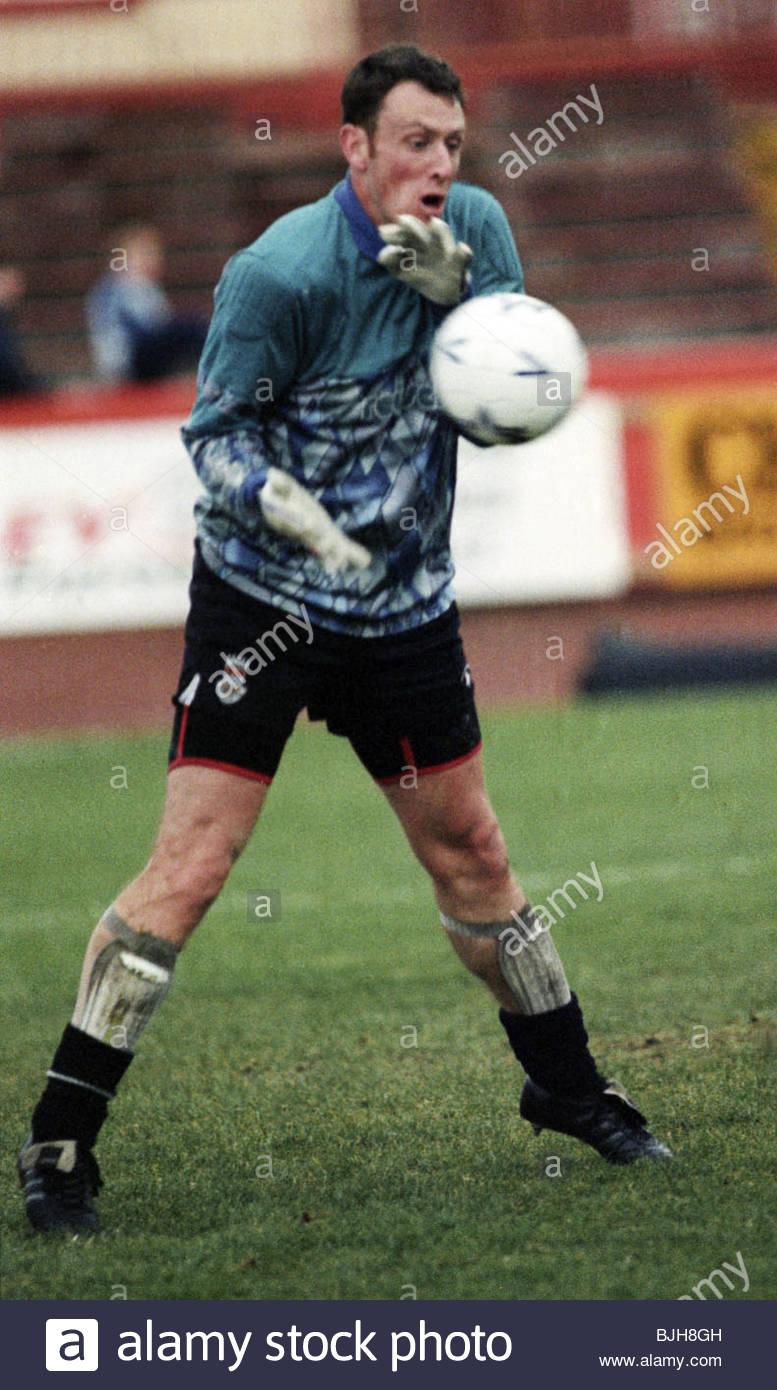 1992/1993 ST MIRREN Campbell Money in action for St Mirren - Stock Image