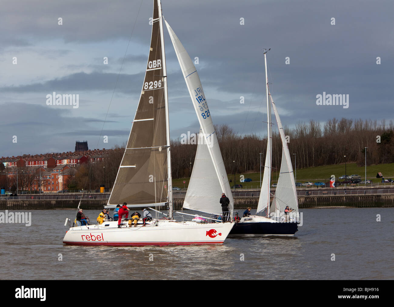 Sailing yachts on River Mersey at Liverpool Yacht Club - Stock Image
