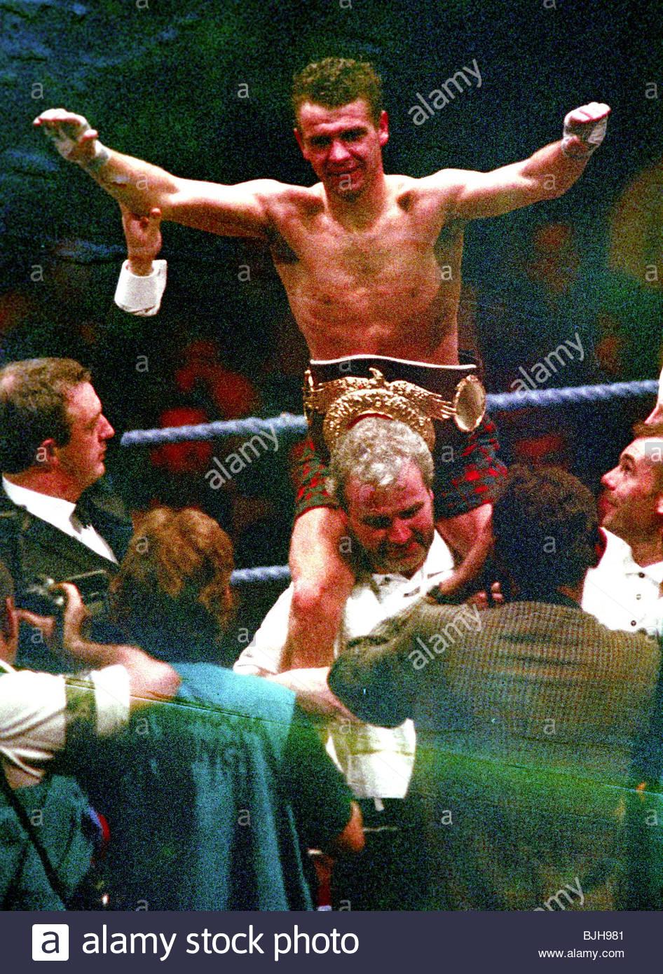 19/09/92 WBO FLYWEIGHT CHAMPIONSHIP Pat CLINTON (SCO) V Danny PORTER (ENG) SECC - GLASGOW Pat Clinton celebrates - Stock Image
