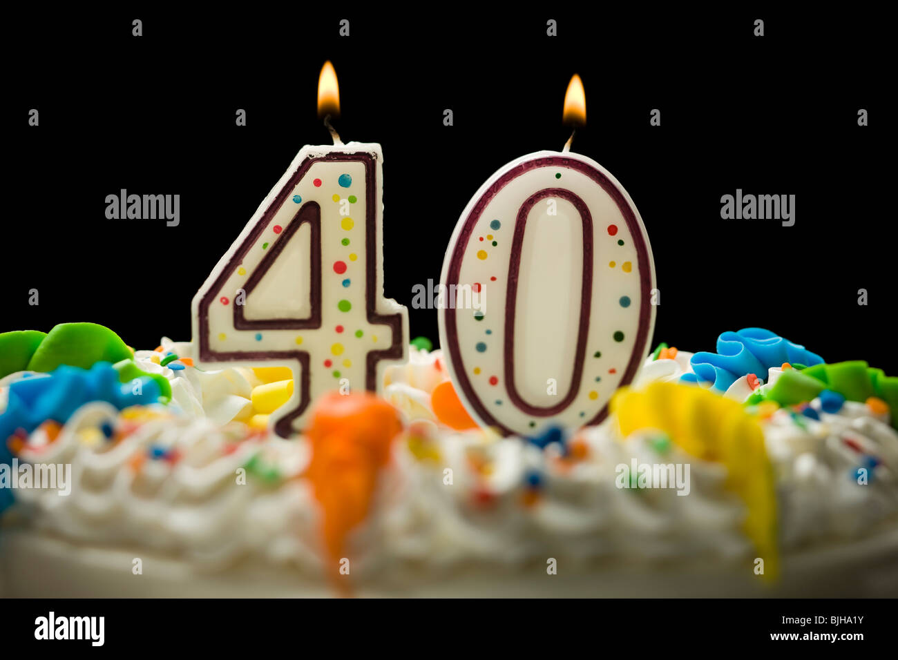 Birthday Cake With Candles That Say 40 Stock Photo 28655255 Alamy