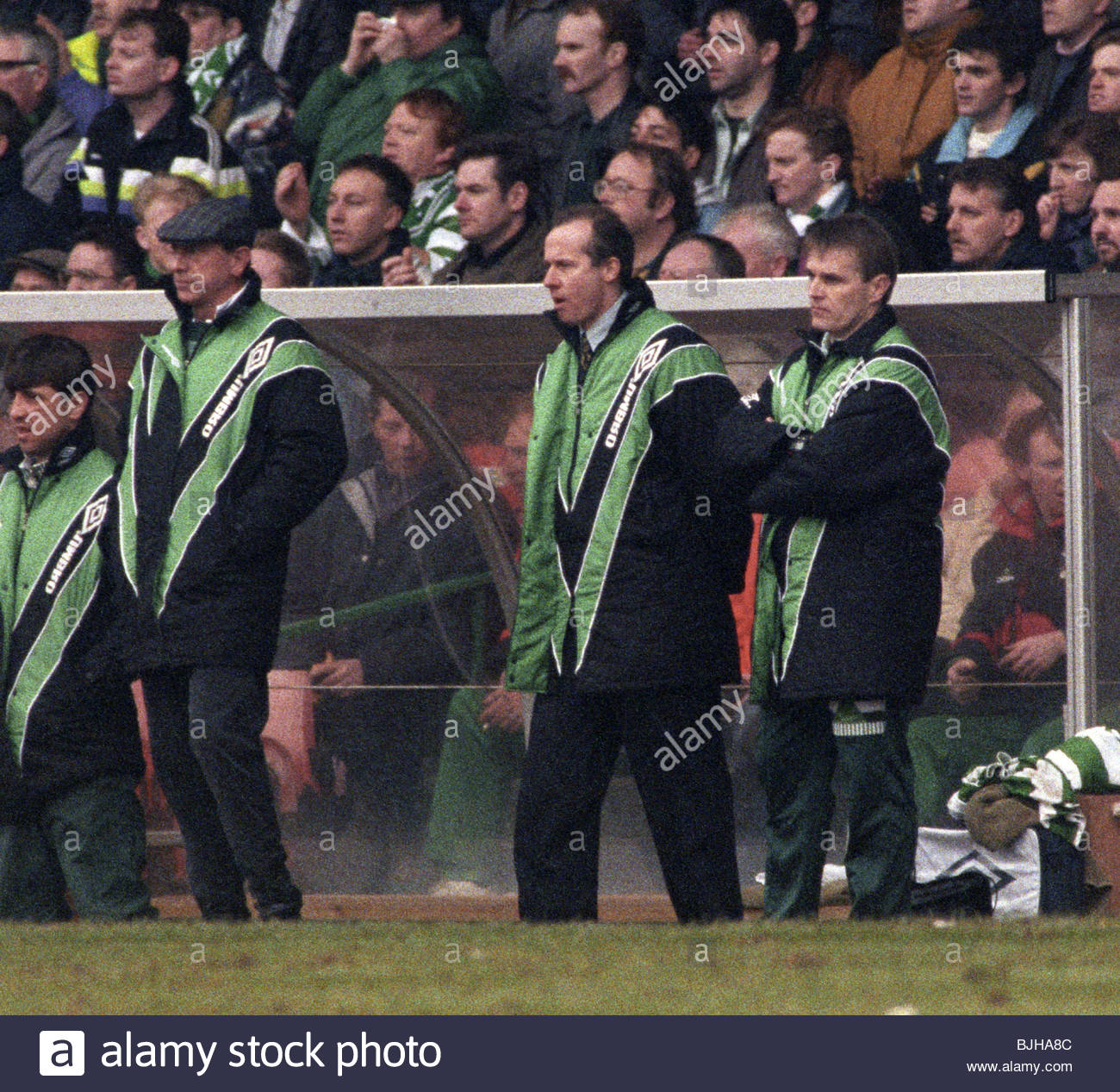 20/03/93 PREMIER DIVISION CELTIC V RANGERS (2-1) CELTIC PARK - GLASGOW Celtic manager Liam Brady (centre) watches - Stock Image