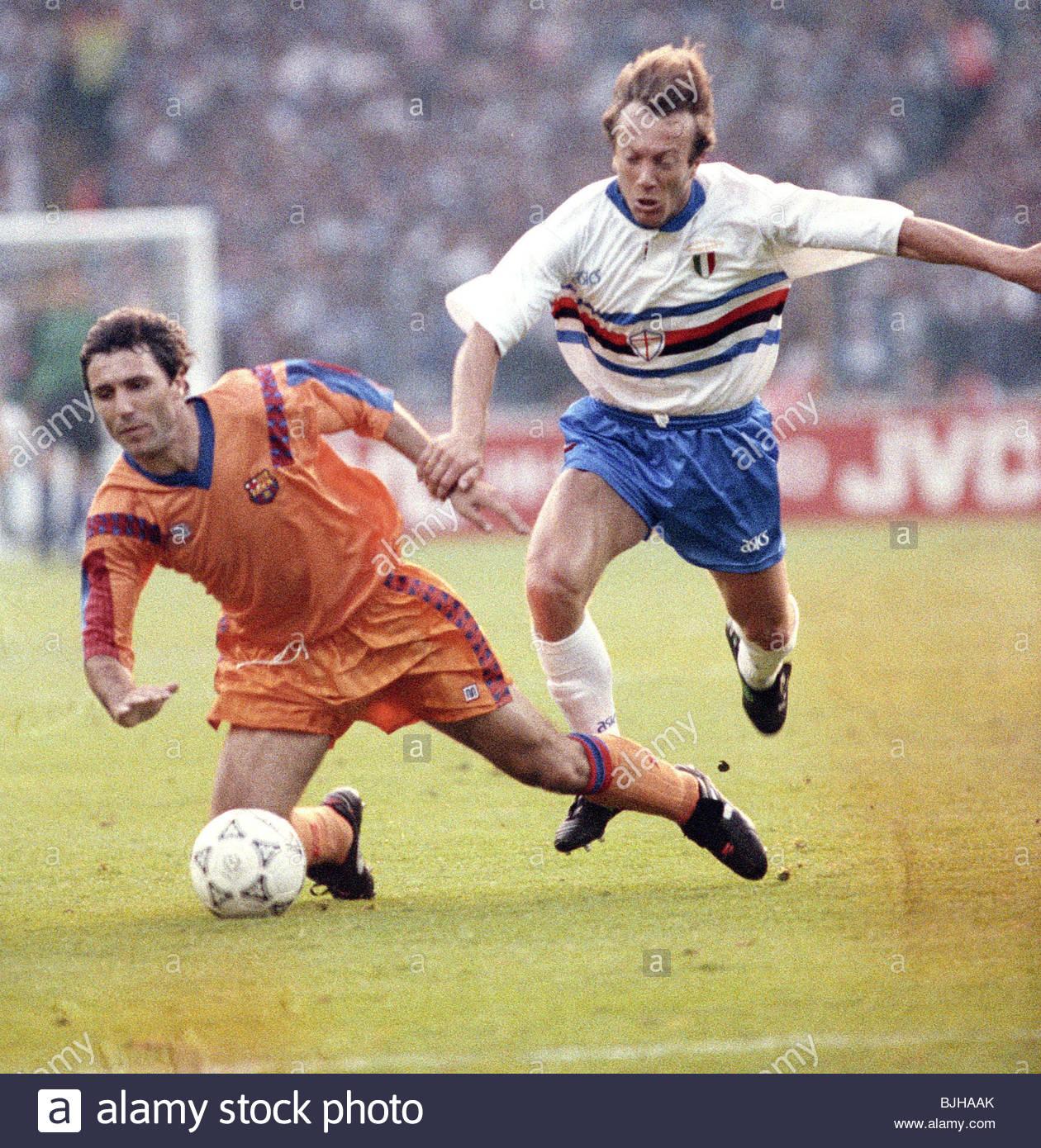 20/05/92 EUROPEAN CUP FINAL BARCELONA V SAMPDORIA (1-0) WEMBLEY - LONDON Barcelona's Hristo Stoitchkov (left) - Stock Image