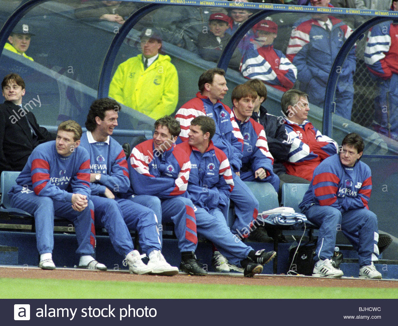 17/04/93 PREMIER DIVISION RANGERS V PATRICK THISTLE (3-1) IBROX - GLASGOW Rangers' substitutes and injured players - Stock Image