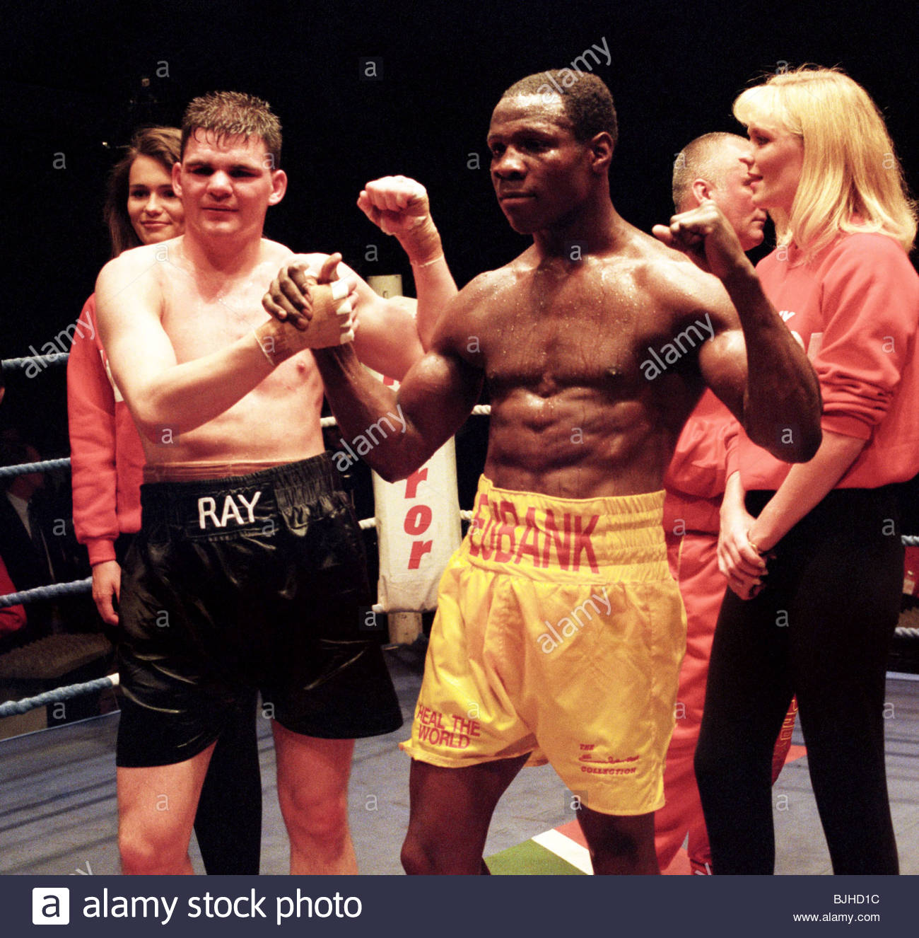 16/05/93 WBO SUPER-MIDDLEWEIGHT CHAMPIONSHIP Chris EUBANK (ENG) V Ray CLOSE (NI) SECC - GLASGOW Ray Close (left) - Stock Image