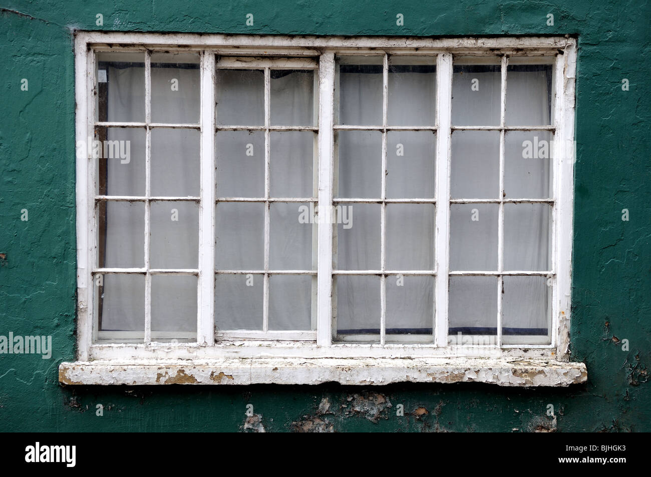 Old Wooden Window Frame Stock Photo: 28660439 - Alamy