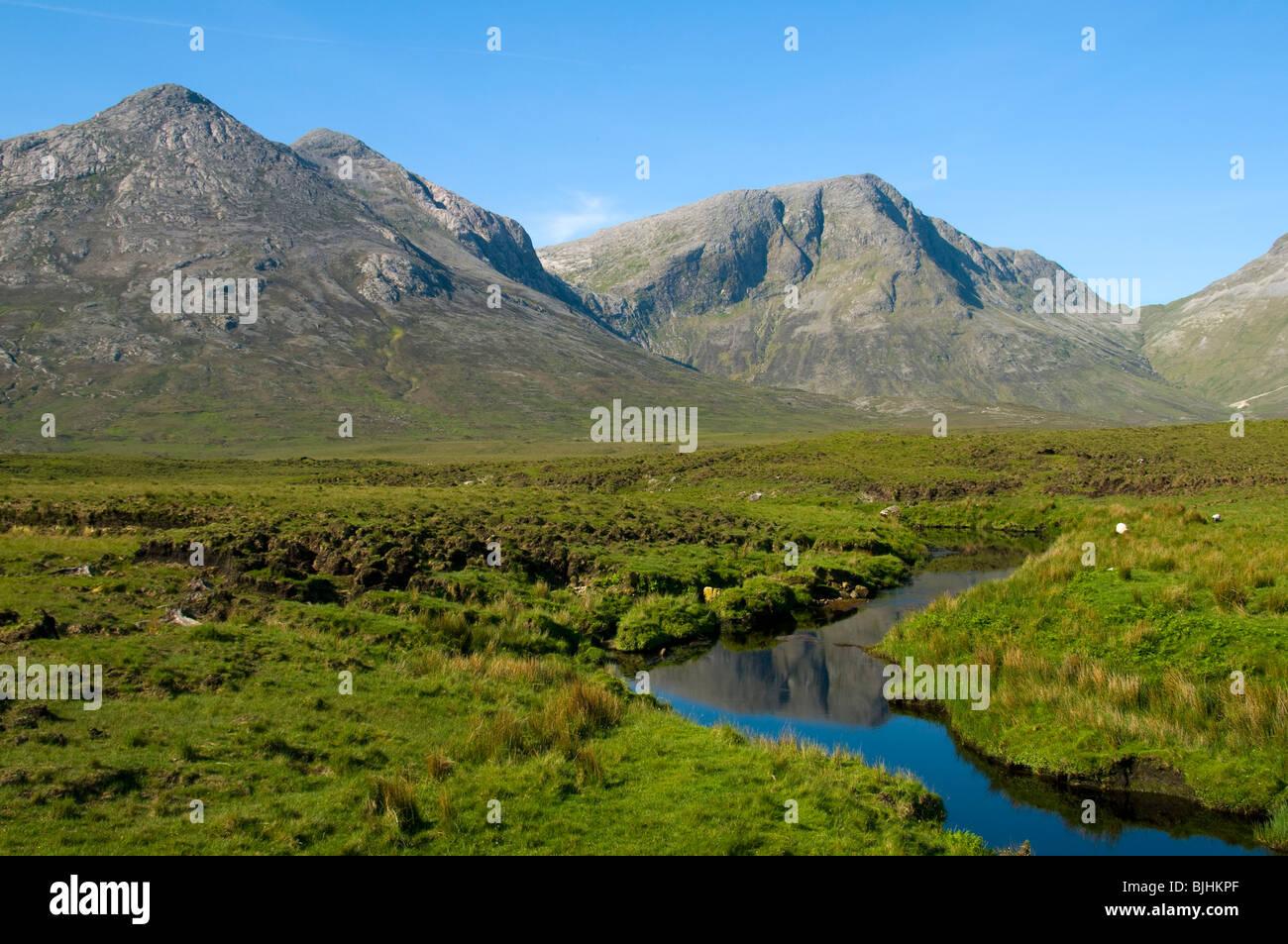 The Twelve Bens of Connemara range from Glen Inagh, Connemara, County Galway, Ireland - Stock Image