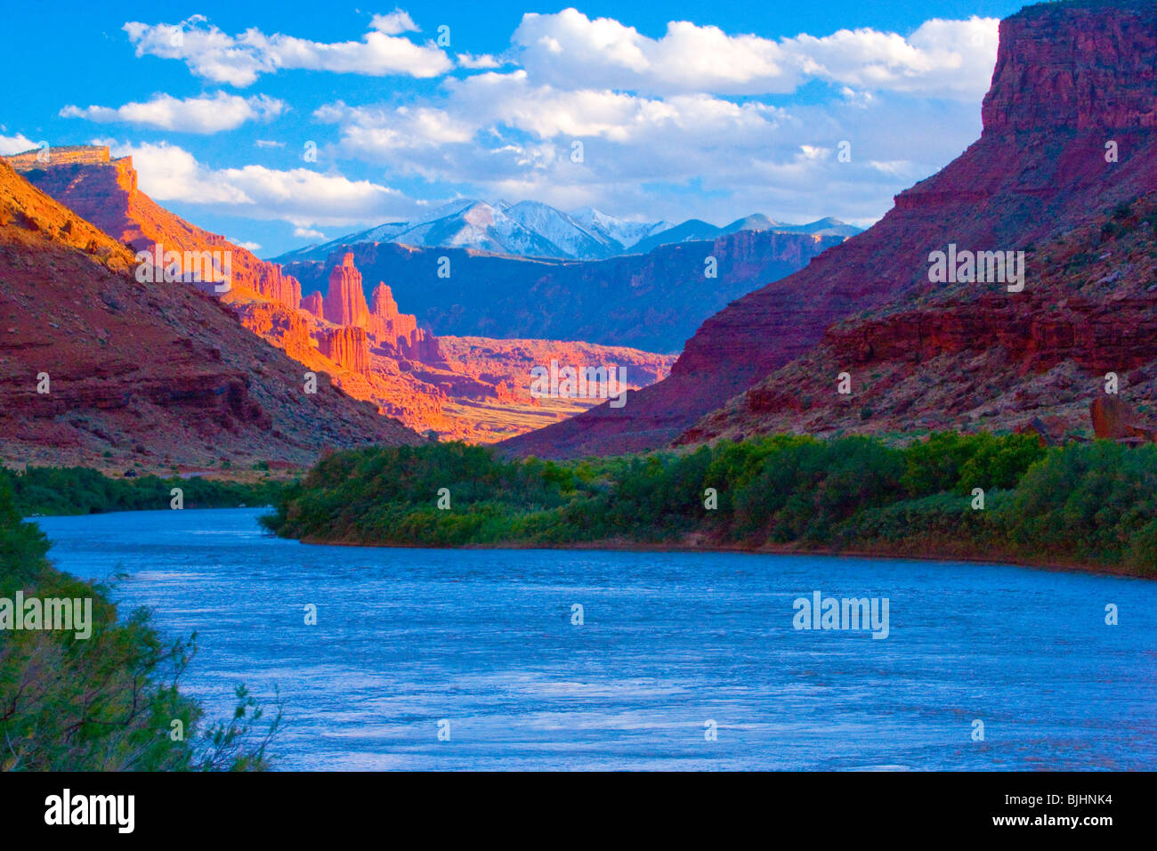 Colorado River, Utah, Fisher Towers and La Sal Mountains beyond, BLM lands and Manti-La Sal National Forest - Stock Image