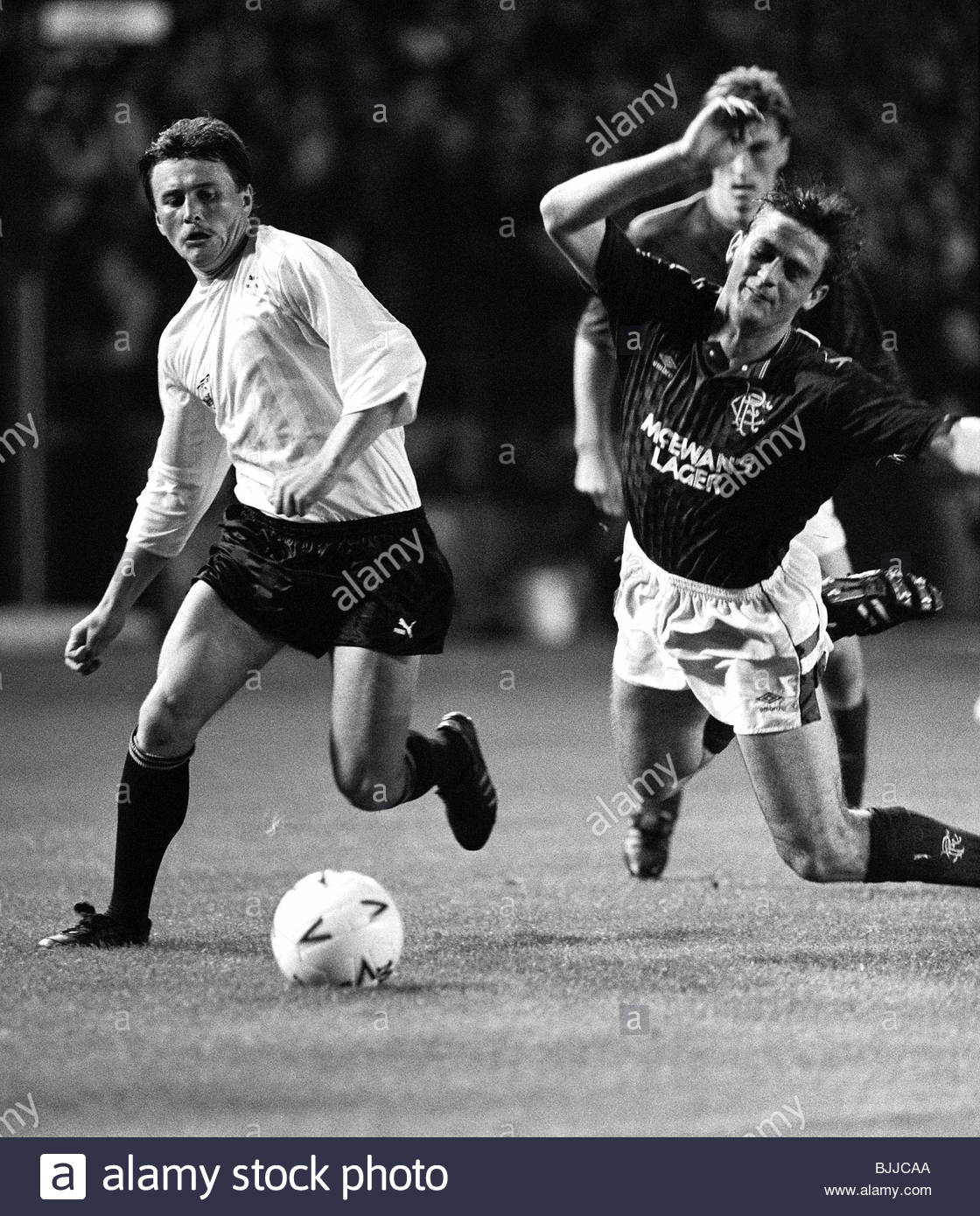 07/09/88 UEFA CUP FIRST ROUND RANGERS V KATOWICE (1-0) IBROX - GLASGOW Rangers' Kevin Drinkell (right) falls - Stock Image