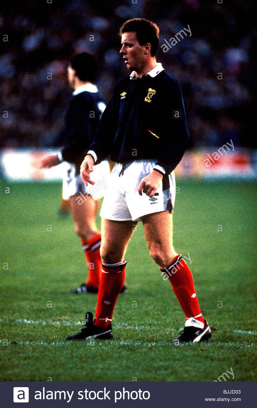 14/09/88 WORLD CUP QUALIFIER NORWAY V SCOTLAND (1-2) ULLEVAAL STADIUM - OSLO Scotland's Steve Nicol - Stock Image