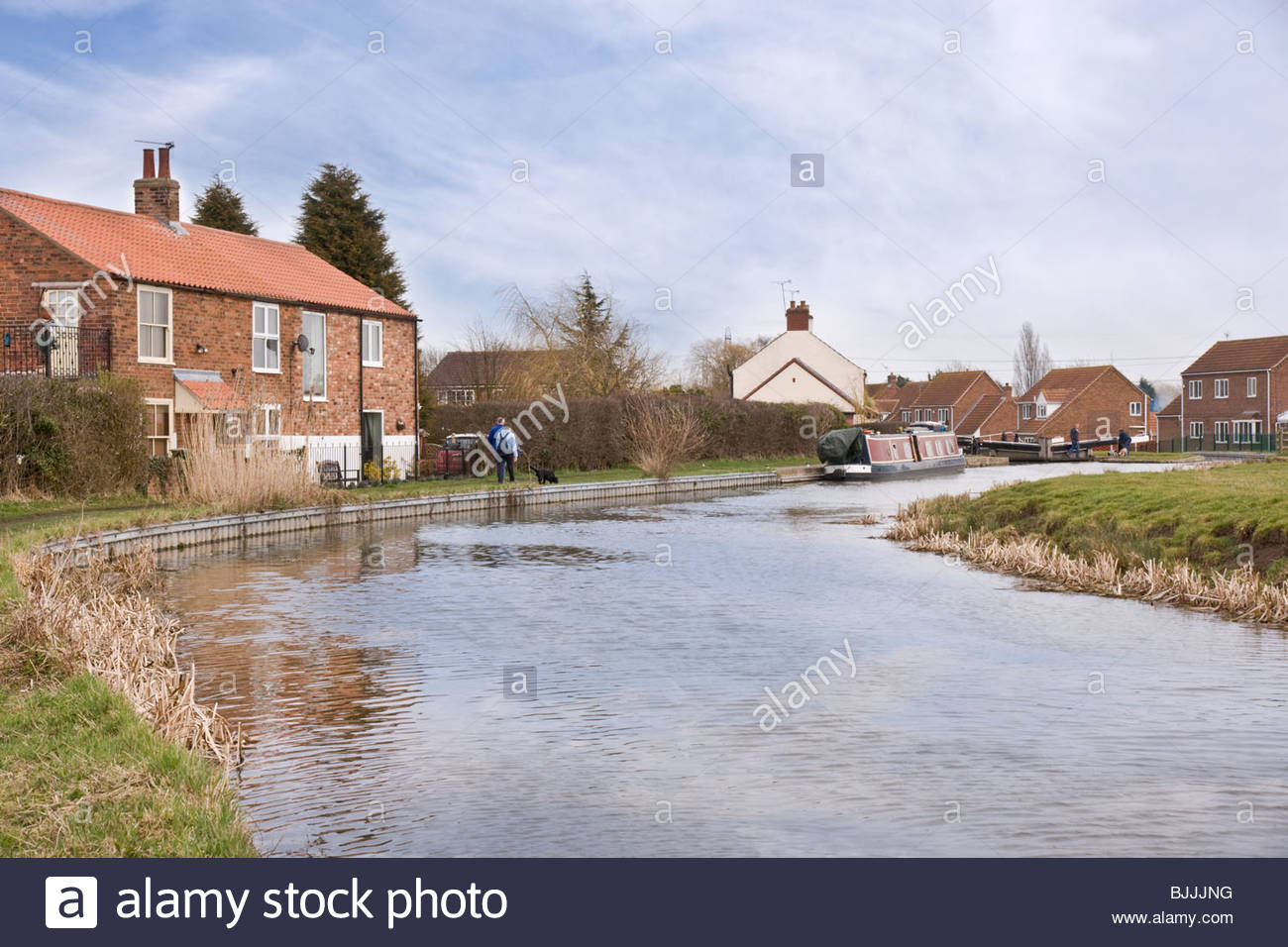 Chesterfield Canal on the approach to Misterton Top Lock, Nottinghamshire. - Stock Image