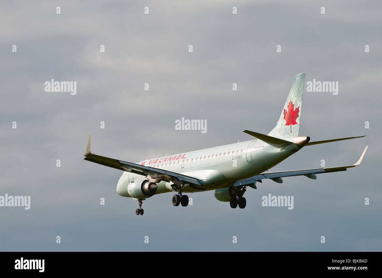 An Air Canada Embraer 190 jet airliner on final approach for landing - Stock Image
