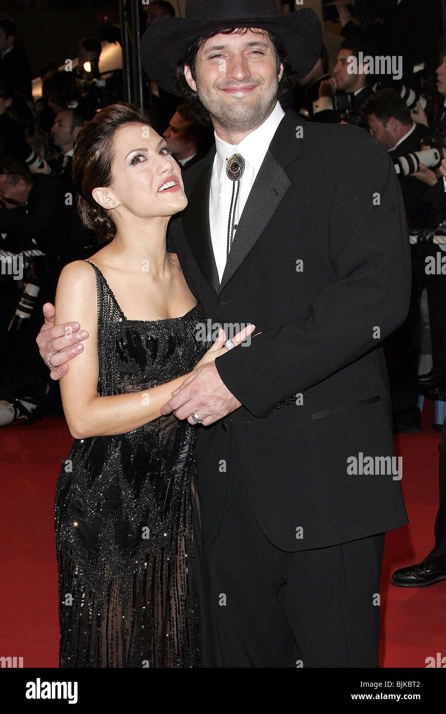 BRITTANY MURPHY & ROBERT RODRIGUEZ CANNES FILM FESTIVAL 2005 CANNES FRANCE 18 May 2005 - Stock Image